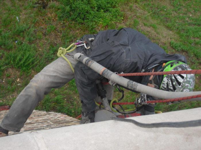 drážkování pro aplikaci helikálních táhel