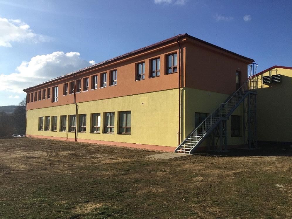 Škola - Obec Březová – zvýšení únosnosti základů 1